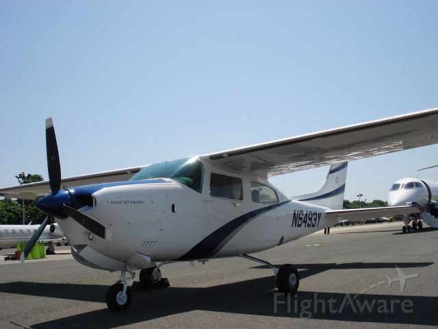 Cessna Centurion (N6493Y) - Ready for departure