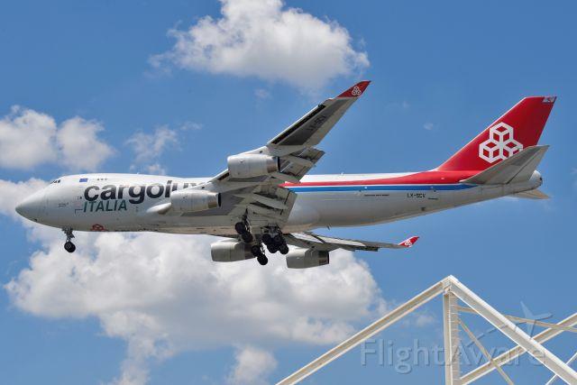Boeing 747-400 (LX-SCV) - 23-L 06-04-21