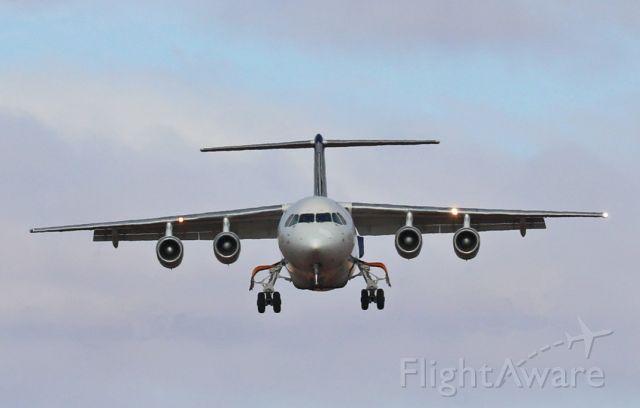 Avro RJ-100 Avroliner (VH-NJP) - On short final in 30kt cross wind