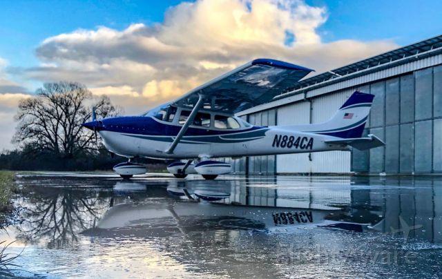 Cessna Skyhawk (N884CA)