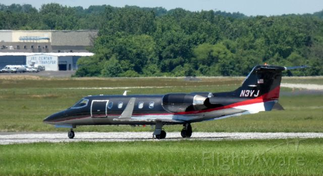 Learjet 31 (N3VJ) - Heading for departure is this 1991 Learjet 31A in the Spring of 2020.