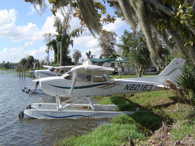 Cessna Skylane (N80183)