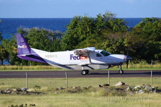 Cessna Caravan (N881FE)