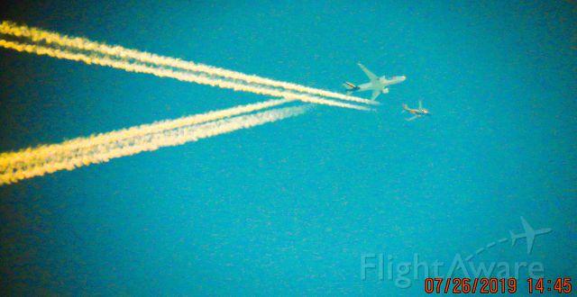 BOEING 777-200LR (N857FD)