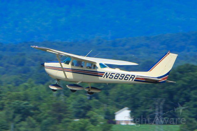 Cessna Skylane (N589R)