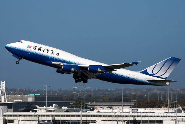 Boeing 747-400 (N120UA) - Sydney, 12 Oct 2010