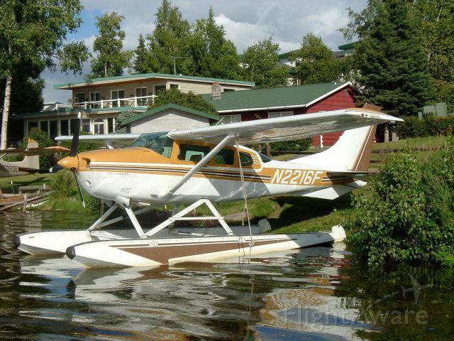 Cessna 206 Stationair (N2216F)