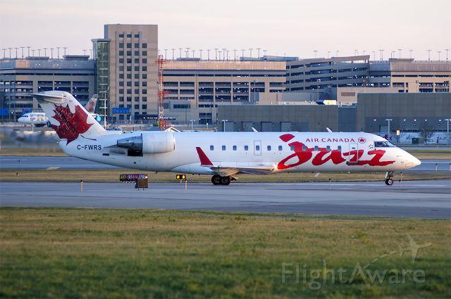 Canadair Regional Jet CRJ-100 (C-FWRS)