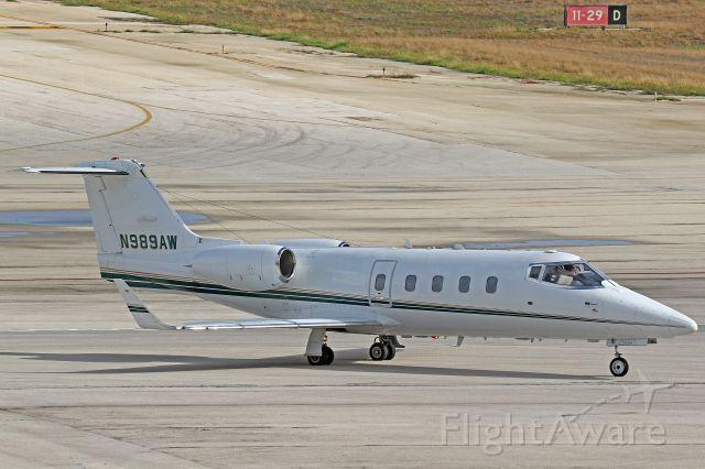 Learjet 55 (N989AW)