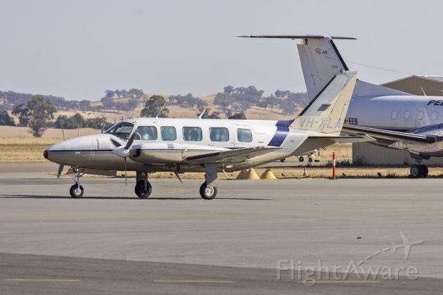 Piper Navajo (VH-XLA) - Australian Aerial Surveys (VH-XLA) Piper PA-31-350 Navajo Chieftain taxiing at Wagga Wagga Airport