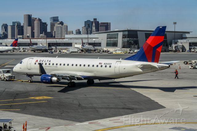 Embraer 170/175 (N265SY)