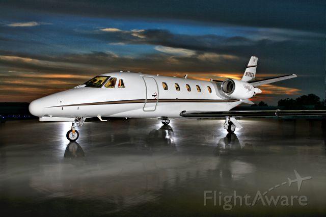 Cessna Citation Excel/XLS (N75EB) - Photo courtesy Barry Gray