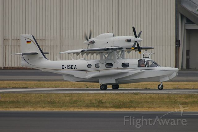 D-ISEA — - An unusual visitor to KBFI was this Dornier Seastar. Aircraft is seen shortly after its arrival after being on display at the 2009 EAA Airventure at Oshkosh,WI.