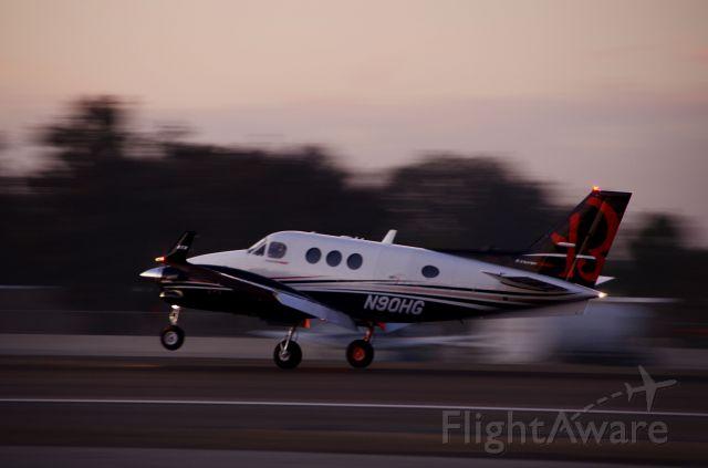 Beechcraft King Air 90 (N90HG)