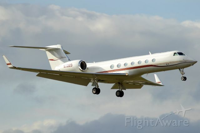 """Gulfstream Aerospace Gulfstream V (N110ED) - Check out our aviation videos with 100% authentic and non-leveled sound! <a rel=""""nofollow"""" href=""""http://youtube.com/ilikerio"""">https://youtube.com/ilikerio</a><br /><br />Short final to runway 08 at FXE! 11/08/14"""