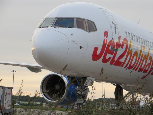 Boeing 757-200 (G-LSAE)