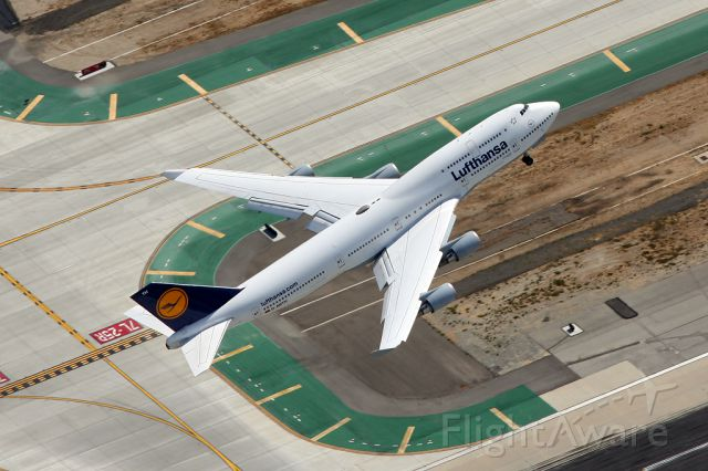 Boeing 747-400 (D-ABTH)