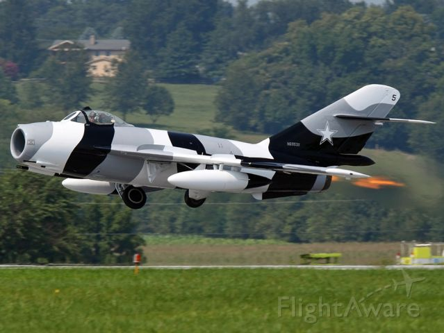 Experimental <100kts (N6953X) - Taking off at Lancaster for the airshow