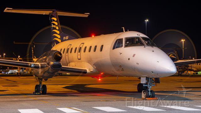 Embraer EMB-120 Brasilia (VH-XUD)
