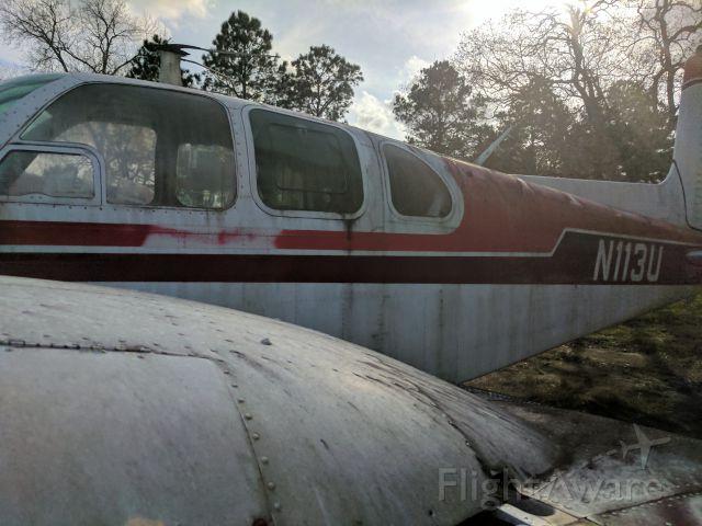 Beechcraft Twin Bonanza (N113U)