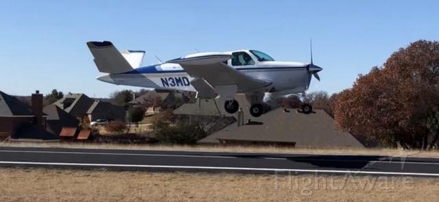 Beechcraft 35 Bonanza (N3MD)