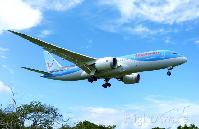 Boeing 787-8 (G-TUIC) - THOMSON AIRWAYS 788 ON FINAL APPROACH AT MDPP AIRPORT!