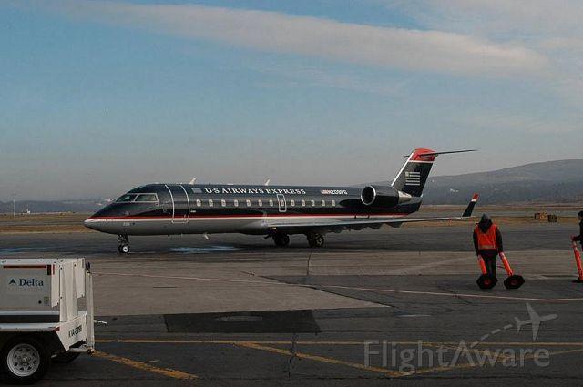 Canadair Regional Jet CRJ-200 (N209PS)