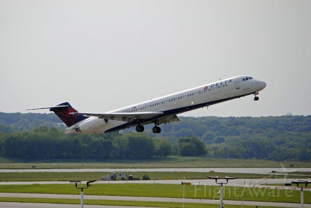 McDonnell Douglas MD-88 (N953DL) - Operating as Delta flight 1532 to Atlanta, GA. June 2, 2019.