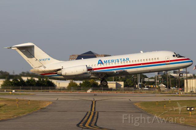 Douglas DC-9-10 (N782TW)