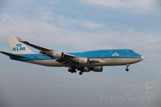 Boeing 747-400 (PH-BFD) - White nose cone!
