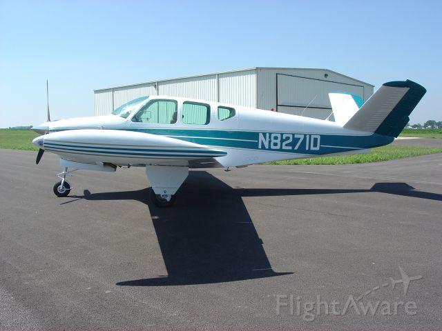 Beechcraft 35 Bonanza (N8271D)
