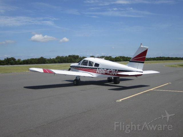Piper Cherokee (N9643W)