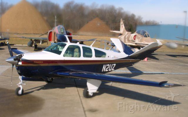 Beechcraft 35 Bonanza (N2UZ)