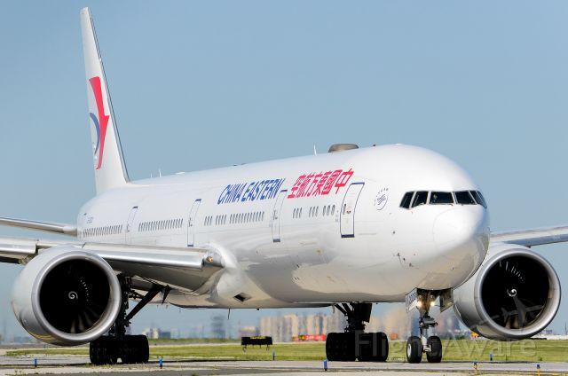 Boeing 777 (B-2003)
