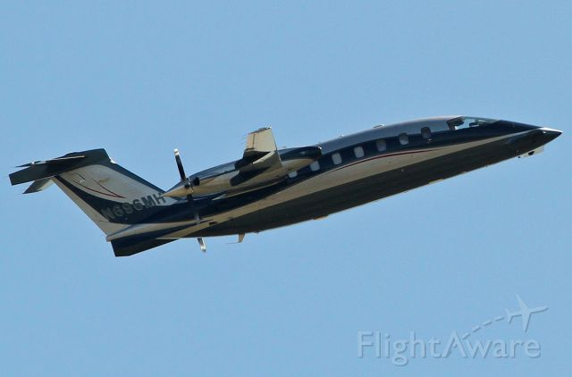Piaggio P.180 Avanti (N696MH) - Taking off from the Van Nuys airport.