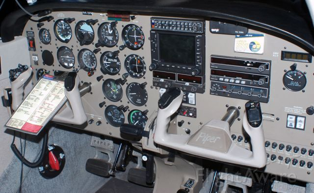 Piper Cherokee (N47BN)