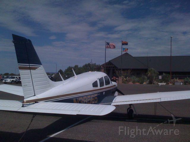 Piper Cherokee Arrow (N38565)