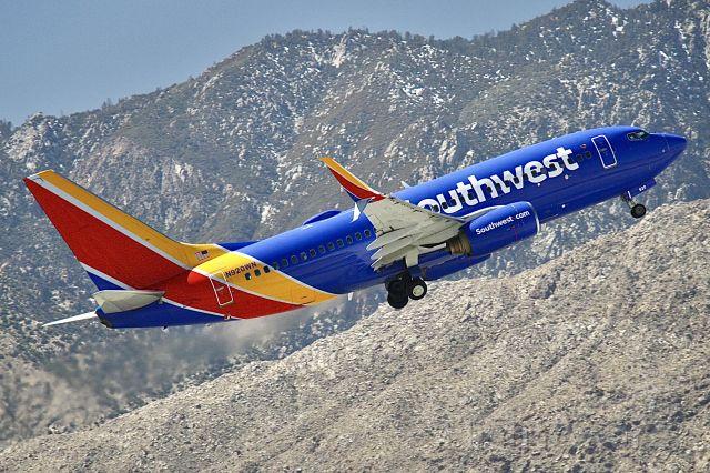 Boeing 737-700 (N920WN)