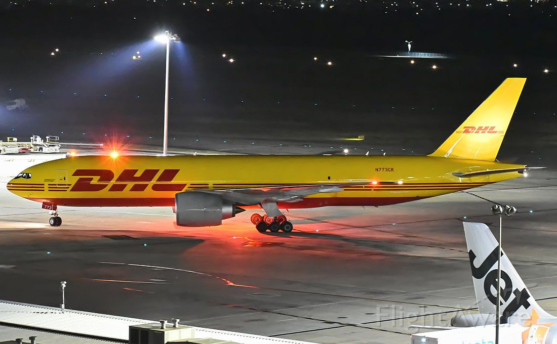 Boeing 777-200 (N773CK)