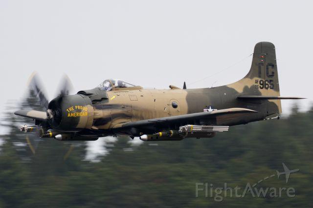 Douglas AD Skyraider (N965AD)