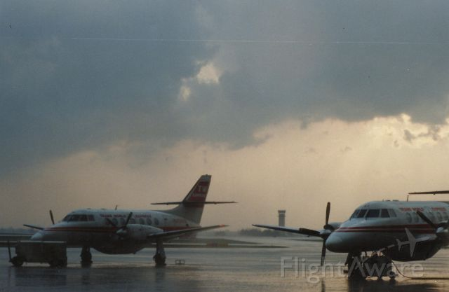 — — - waiting out the storm in 1996 as STL is under a ground stop
