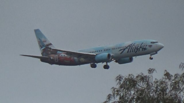 Boeing 737-800 (N570AS) - My highlight of the day!