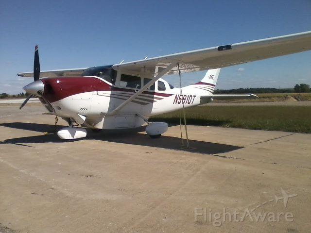 Cessna 206 Stationair (N5910T)