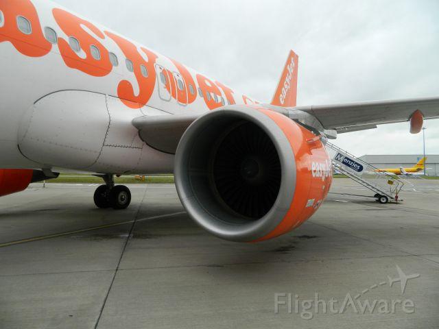 Airbus A319 — - Bording the plane