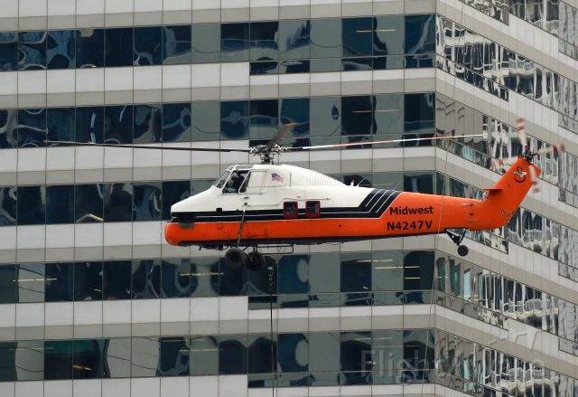 Aerospatiale Dauphin 2 (SA-365C) (N4247V) - Delivering A/C chillers to 405 N Wabash Ave, Chicago,  IL