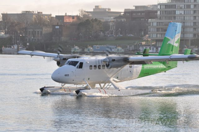 De Havilland Canada Twin Otter (C-FWTE) - Taxiing for take-off at Victoria Harbour, B.C.
