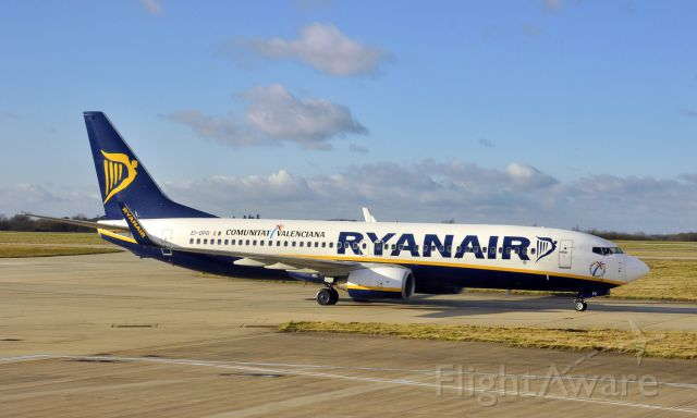 Boeing 737-800 (EI-DPD) - Ryanair Boeing 737-8AS(WL) EI-DPD in London Stansted