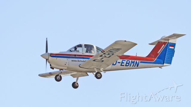 """Piper Tomahawk (D-EBMN) - """"DELTA-MIKE-NOVEMBER IM ENDANFLUG 2-6"""""""