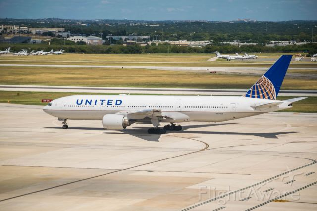 Boeing 777-200 (N778UA) - Taxiing to 13R