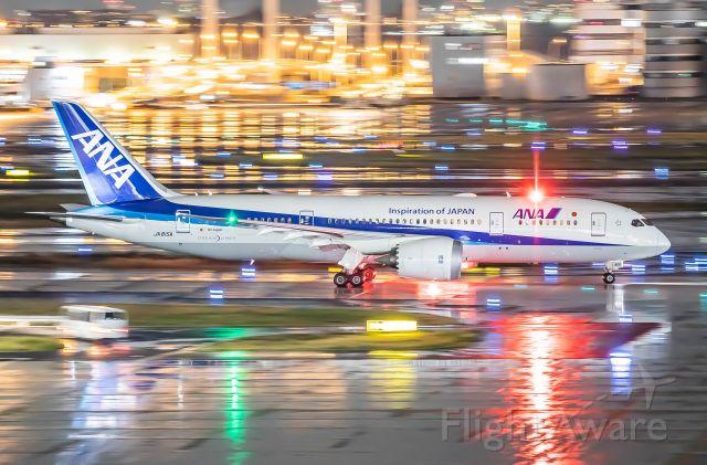 Boeing 787-8 (JA815A)